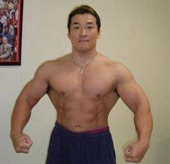 2人のプロが教える「ドーピングなしで筋肉生成ホルモンを出す」筋トレ